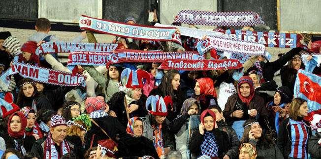 Trabzonsporlu kadınlar fark attı