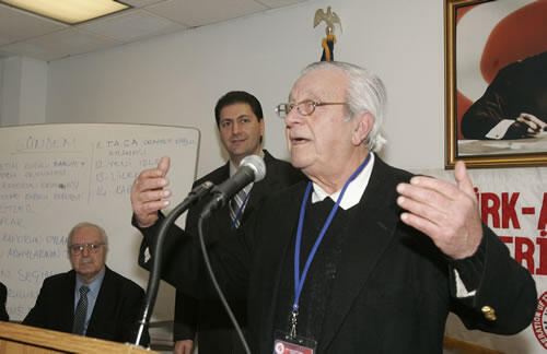 TrabzonsporUSA'den Dr. Zeki Uygur'a Taziye