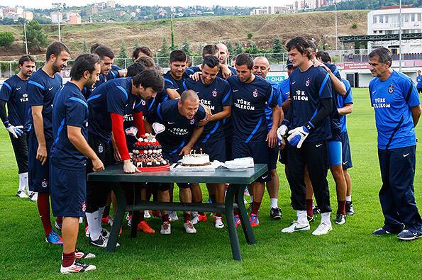 Serkan Balcı'ya doğum günü kutlaması